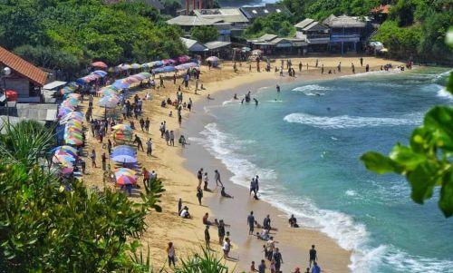 Objek wisata Pantai Indrayanti Yogyakarta